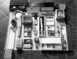 robert-rauschenberg-untitled-scatole-personal